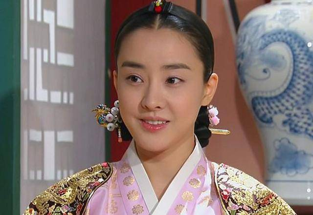 此女名叫金介屎,被称为朝鲜武则天,长得不怎么样却艳名远播