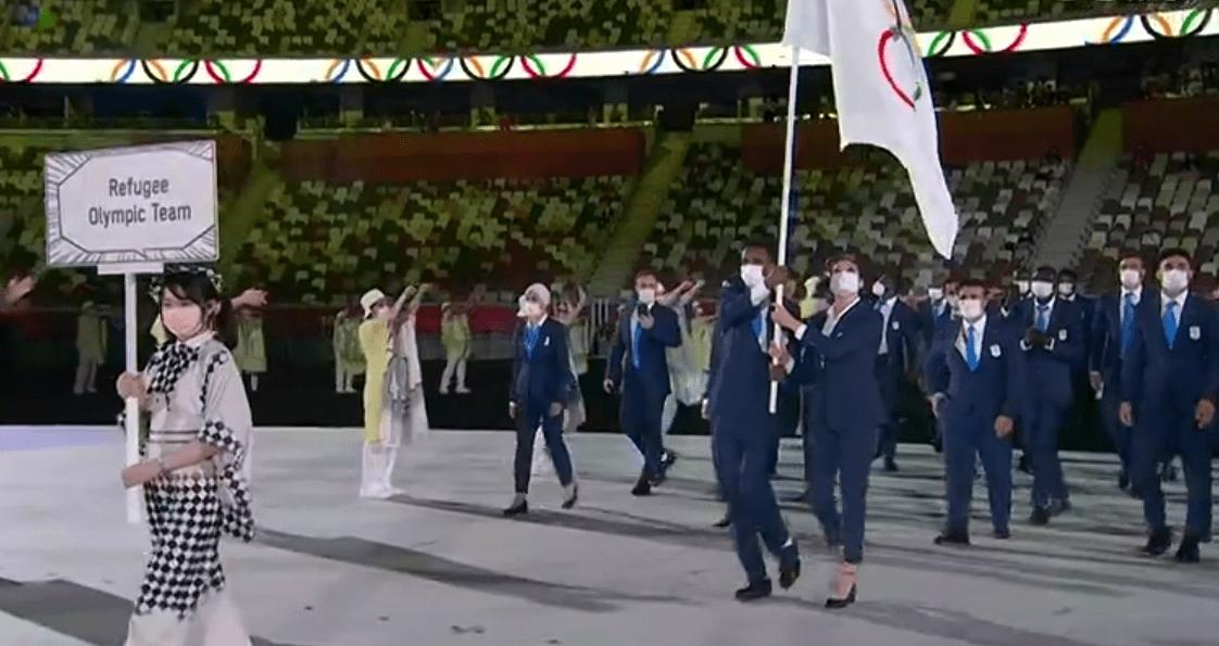 东京奥运会开幕式:运动员保持社交距离,日本礼仪小姐姐养眼_富豪娱乐平台
