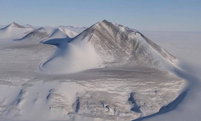 隐藏在南极洲之下的巨大湖泊并没有找到,科学家:这不合常理