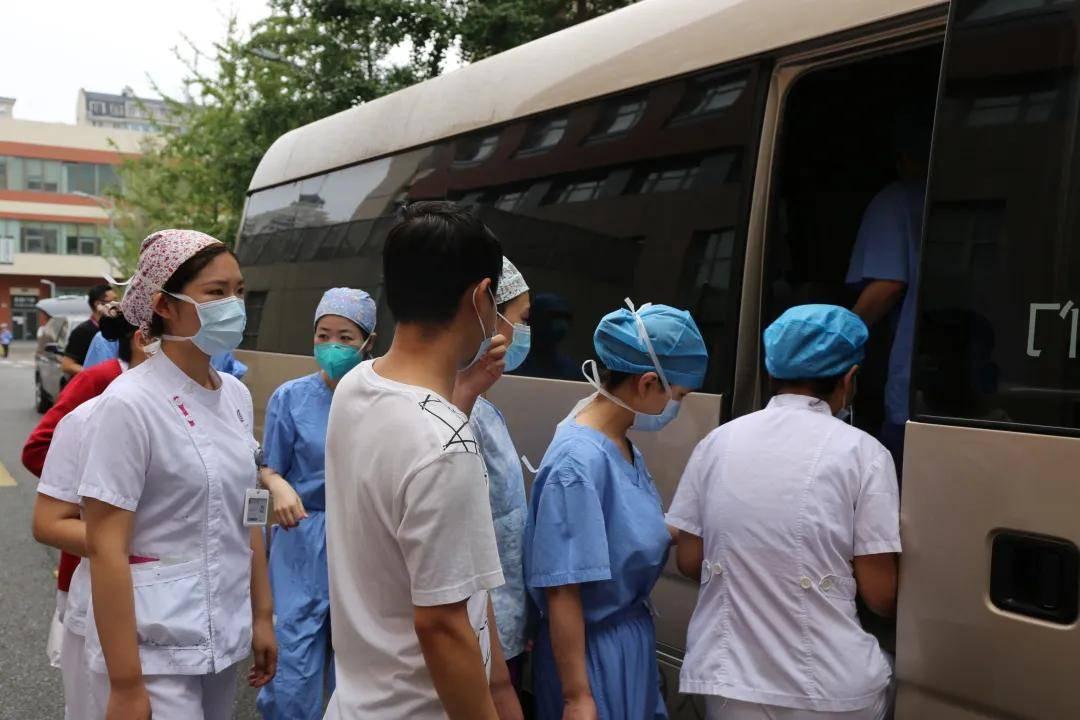 北京新增2例,清华长庚30名医生赴回龙观