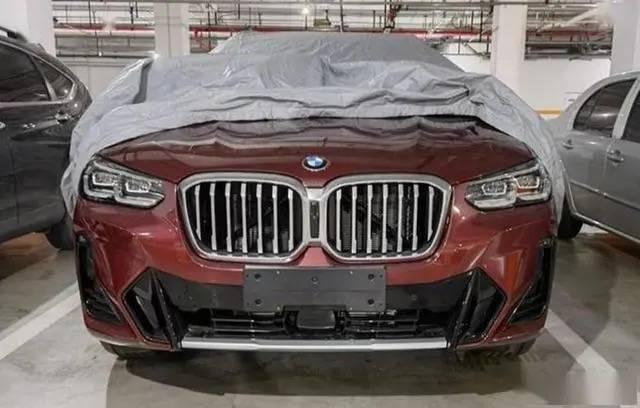 新款宝马X3实车现身,动力不变设计提升,网友:后排大点会更好卖dkf