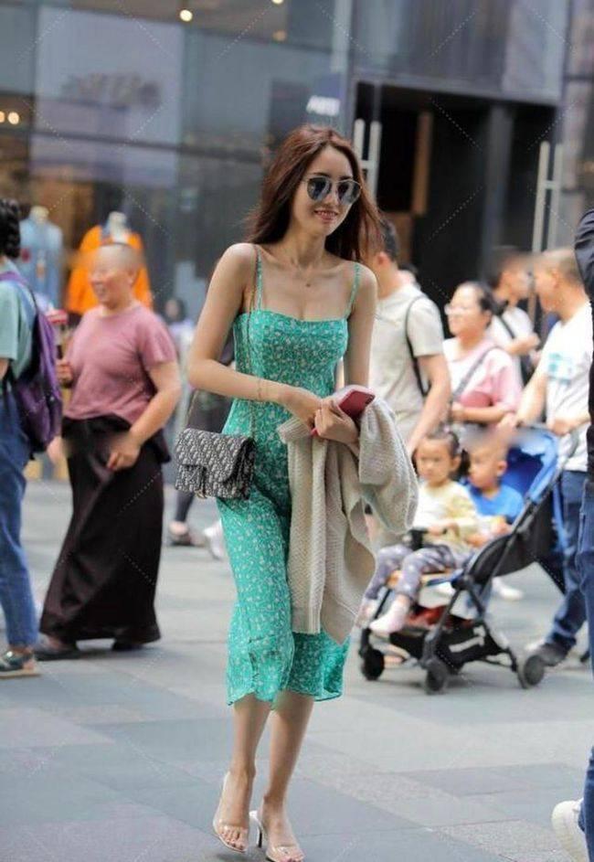 夏天看这些辣妈的潮流穿搭,轻松穿出时尚范!