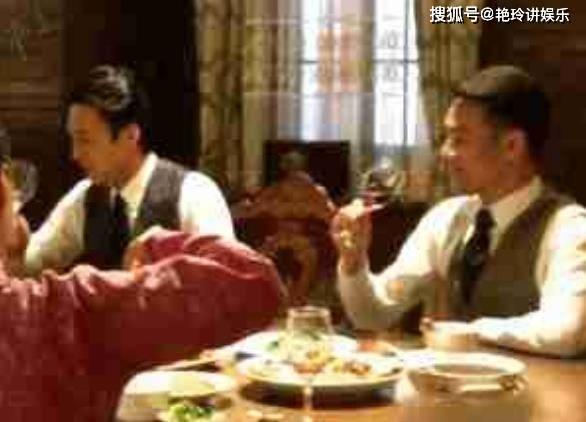 """43岁的金东因戏娶了第二任妻子 如今 他4岁的儿子被称为""""第二代最帅明星"""""""