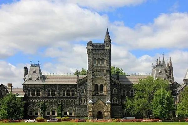 崩溃!多伦多大学留学生求助:开学前录取知书突然被作废!