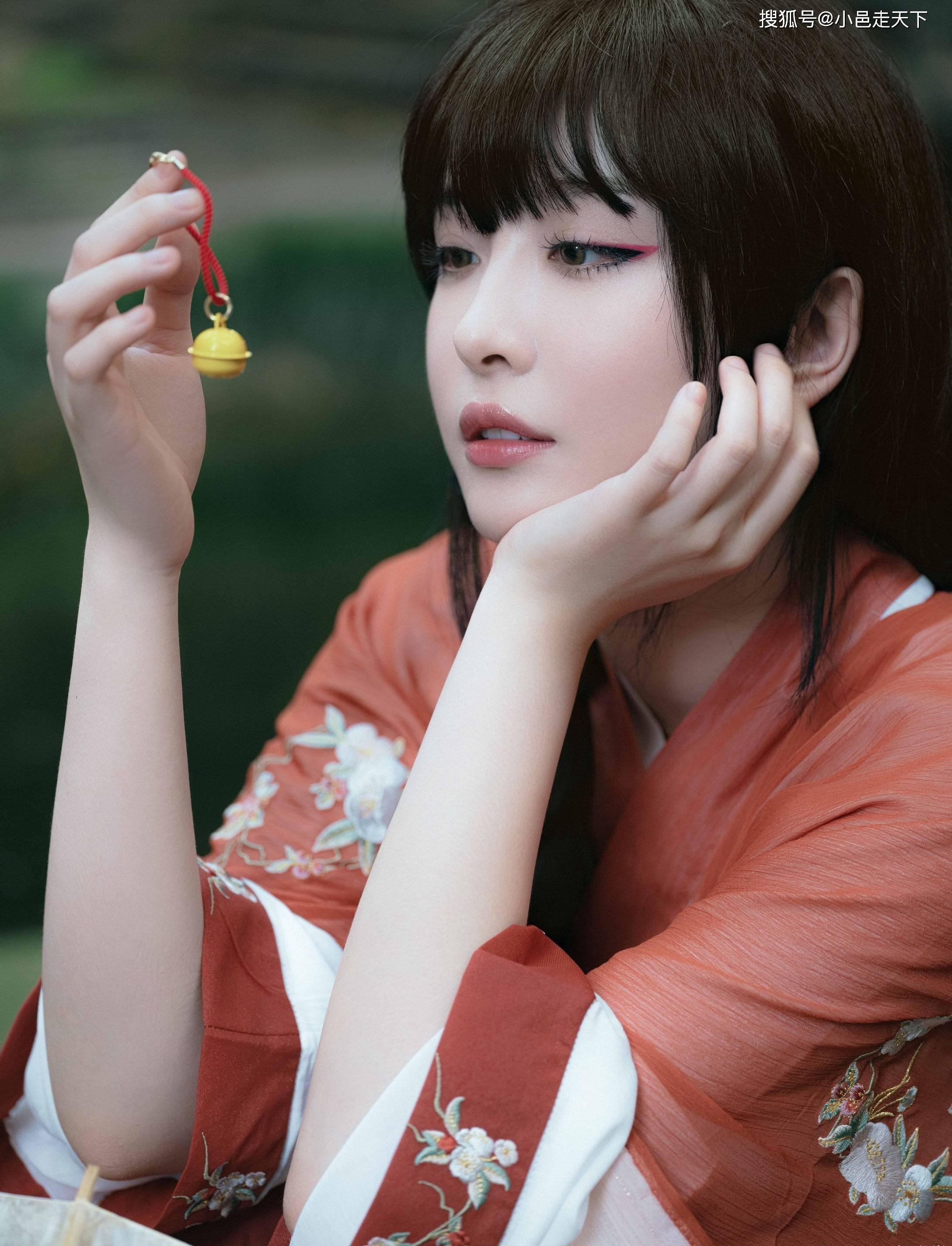 赵小棠红色汉服绝美写真