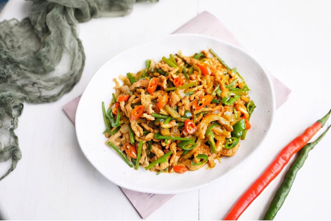 榨菜丝炒肉,好吃又下饭,关键是做法简单  榨菜丝炒肉的做法