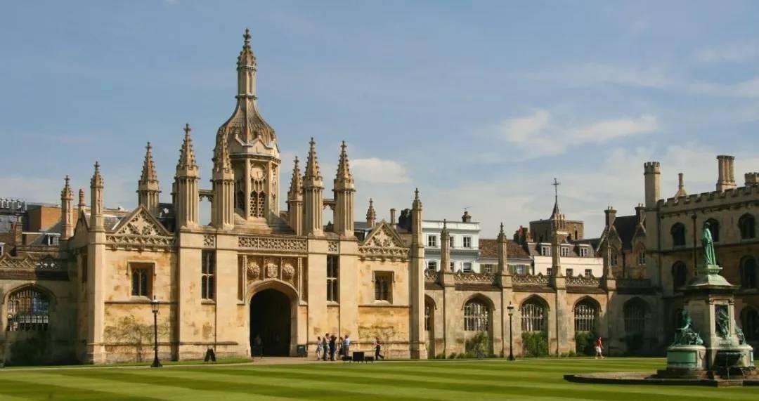 2021年QS传媒排名Top100,无背景也能申请的英国院校有哪些?