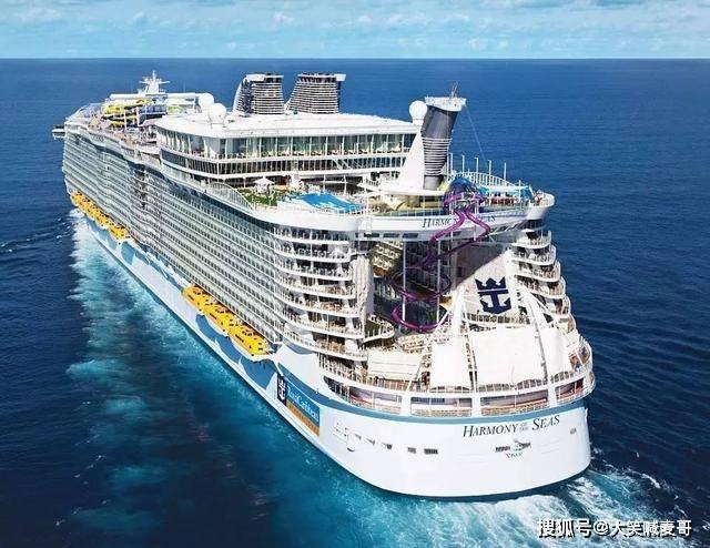 比泰坦尼克号大5倍的邮轮,23个水上设施,光工作人员就2000人