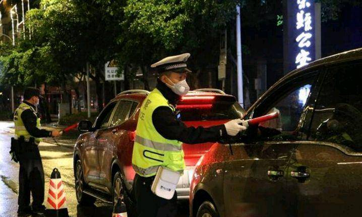 滨州交警查酒驾事件,印证阳光是将权力放到制度牢笼最有效方法