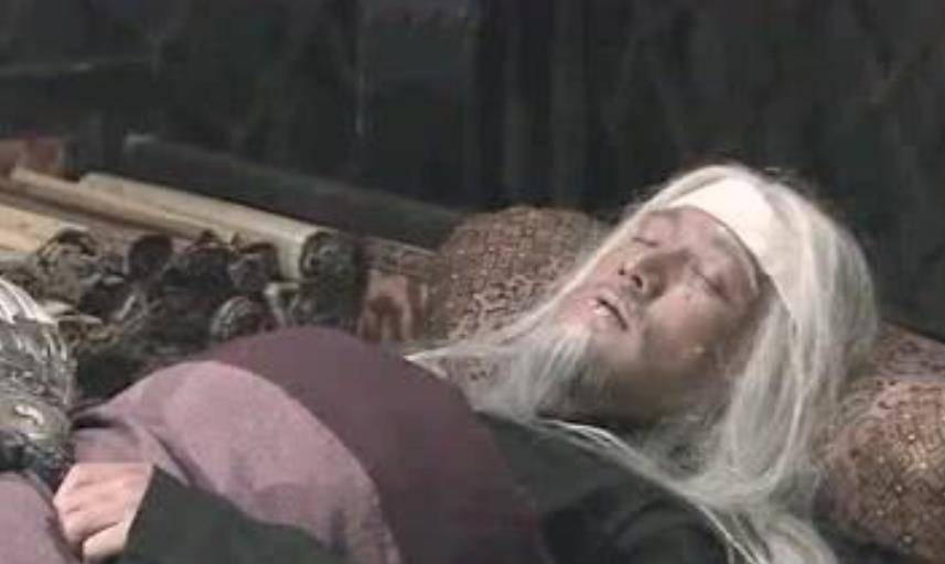 诸葛孔明病重五丈原时,有一牛人能救他的命,怎奈被这两人错过了