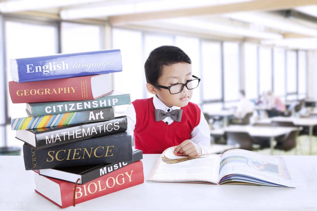 人教版小学五年级作文,英汉同步双语,《读书让生活更美好 2》