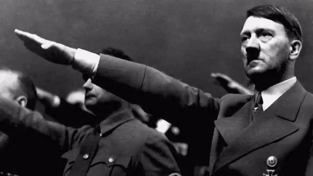 1939年爆发的一场战争,让阿道夫决定入侵苏联,没想到高估了自己