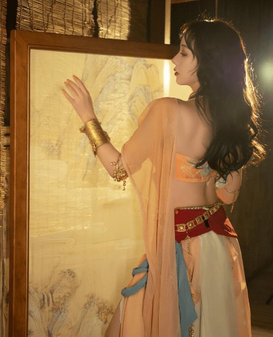 图片[6]-COS服泄露春光?洛丽塔大哥化身敦煌仙女,却因着装被喷:不要脸-妖次元