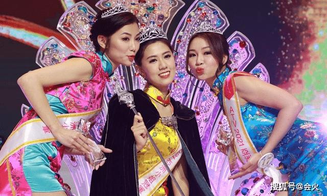 亚洲小姐决赛三甲出炉!穿泳装大秀好身材,最佳努力奖得主引群嘲