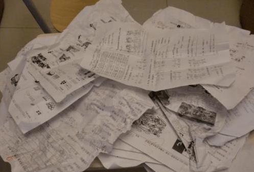 江西一姐弟坠楼身亡,奶奶在厨房洗碗,留遗书提及希望不要写作业