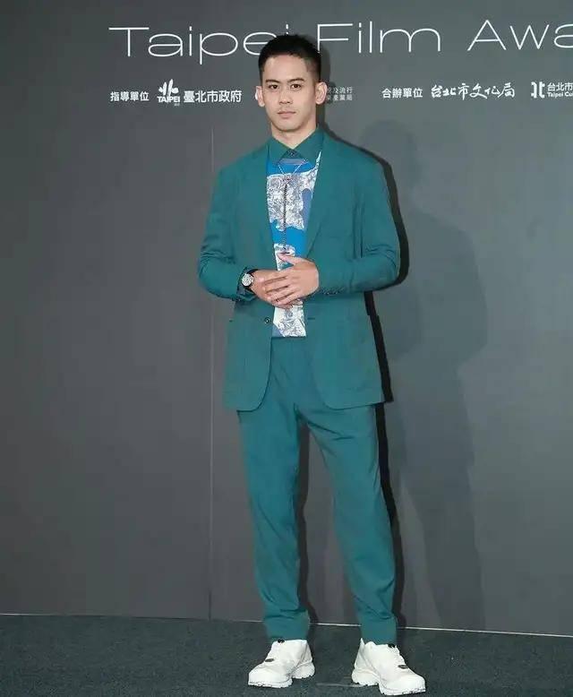 图片[12]-林心如变脸认不出,人均又土又俗,台北电影节红毯,把我丑笑了-妖次元