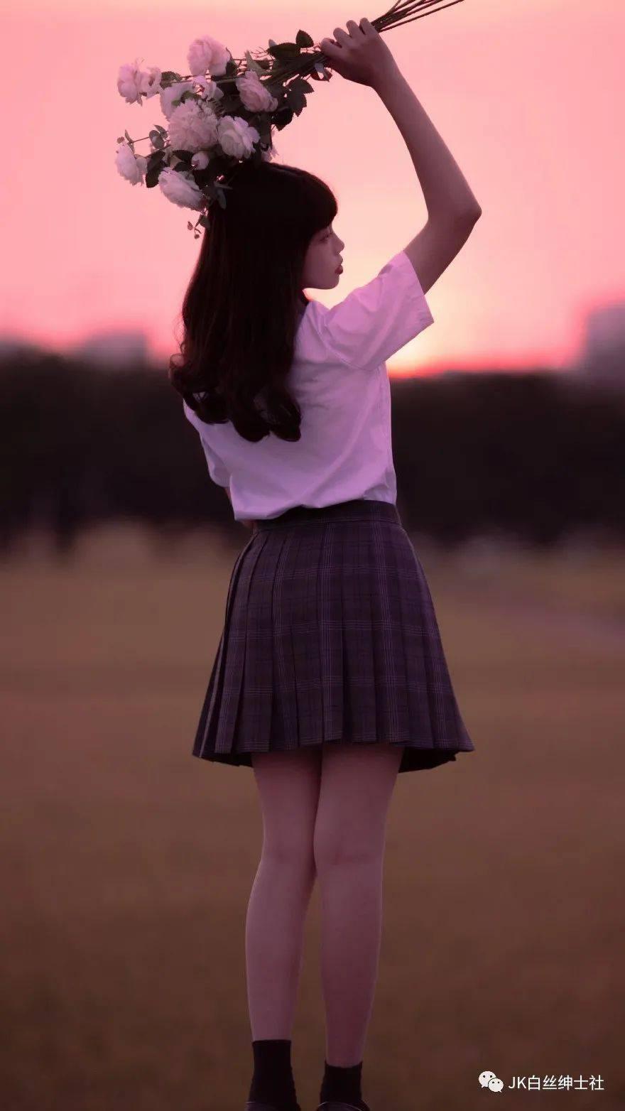JK少女:我们在夏天相遇,又走向各自的夏天