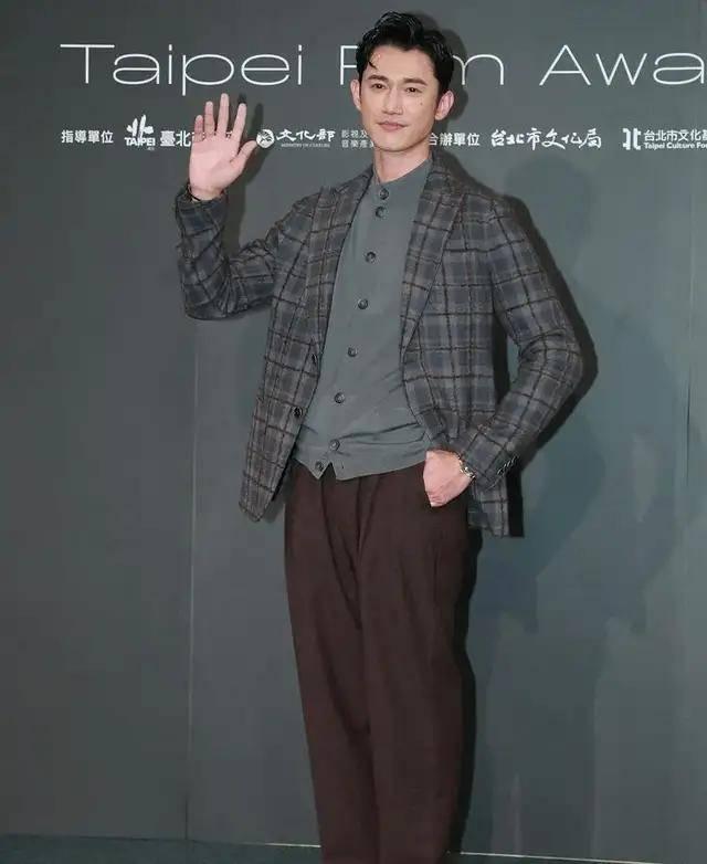 图片[15]-林心如变脸认不出,人均又土又俗,台北电影节红毯,把我丑笑了-妖次元