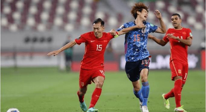 希丁克:足球在中国已成为一项贵族运动,有钱人的孩子才踢得起球