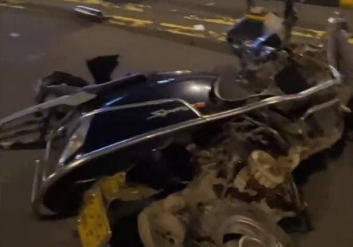 海南一男子,酒驾骑摩托与皮卡相撞,现场细节曝光