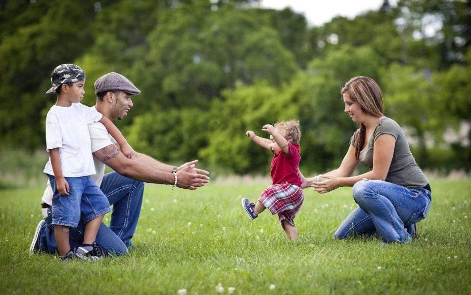 走直线,提高孩子控制和平衡能力