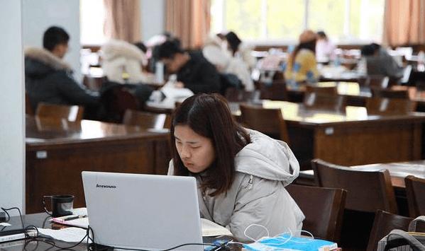 大学选择计算机专业,毕业后的收入究竟如何,数据有些出乎意料