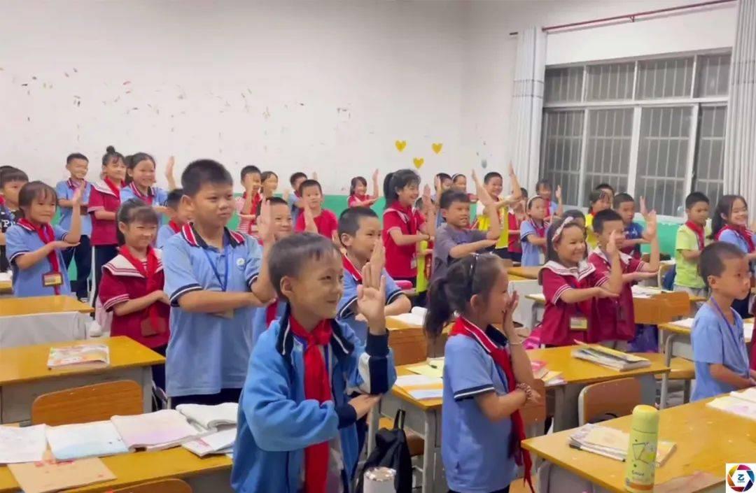 女孩患病生命垂危,全班同学隔空跳舞为其助力,看到视频妈妈哭了