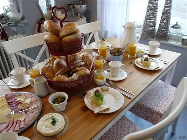 ✔️[美食 吃吃喝喝資訊]早餐吃粥 全麥麵包 牛奶唔長胖