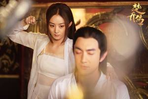 王麗坤的緋聞男友,曾吻過江一燕和趙麗穎,長相帥氣演技卻一般
