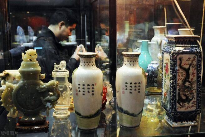 一切向钱看的时代现在的古玩收藏界已经无路可走!