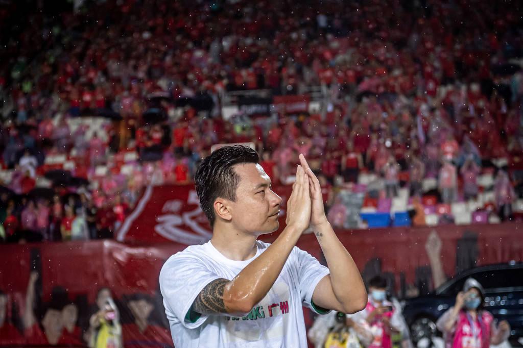 郜林:回去要好好总结比赛不足 感谢球迷支持我