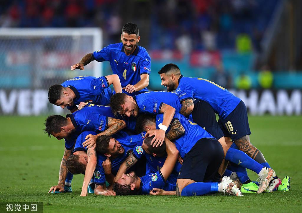 洛卡特利双响因莫比莱破门 意大利3-0出线