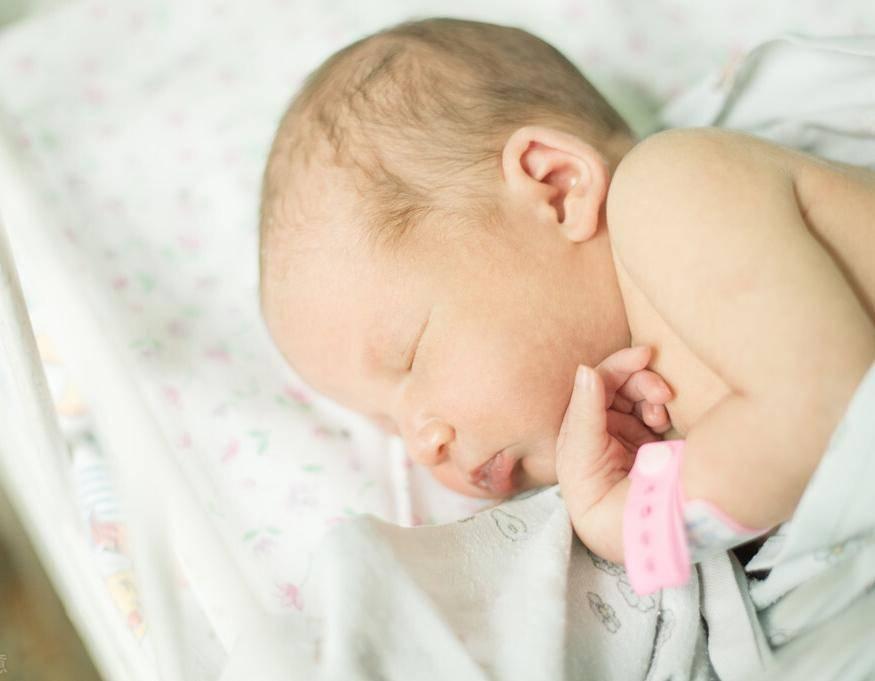 寶寶出現黃疸了怎麼辦?月嫂姐姐告訴我怎麼做