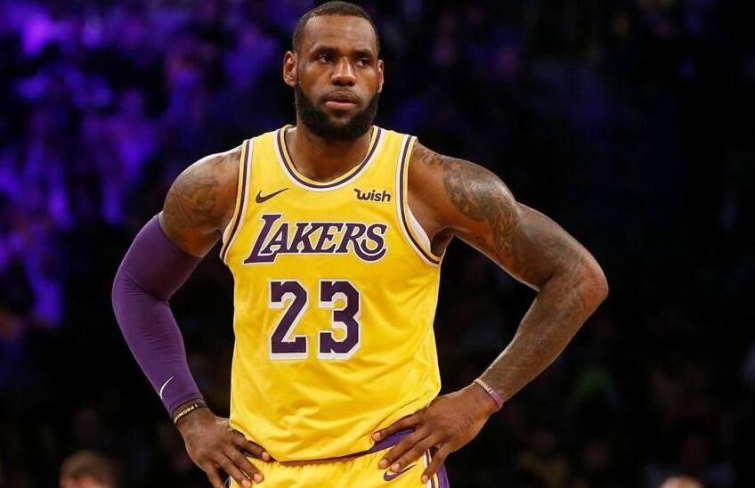 创造历史!詹皇成NBA首位职业收入超10亿美元球员_牛牛棋牌登录