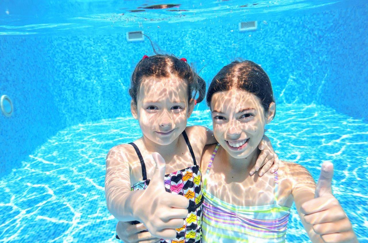 婴儿游泳加盟排行_国内十大亲子游泳加盟品牌排行榜