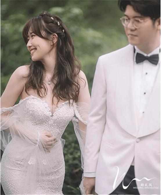 著名女演员正式宣布结婚 漂亮的婚纱照超级迷人 和有钱的老公有了一对夫妻