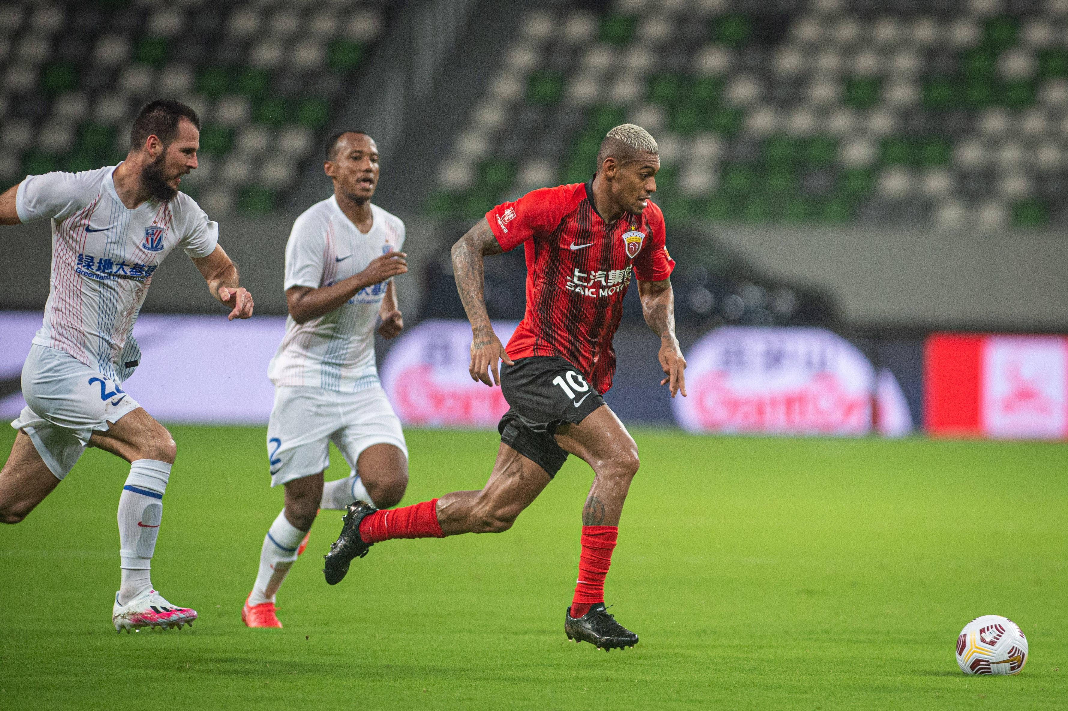 上海海港官宣外援洛佩斯重伤 赛季报销将返回巴西手术