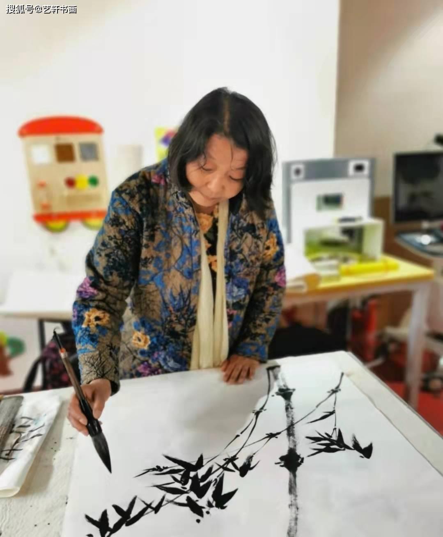 当代实力派画家齐白石再传弟子李丽芳老师