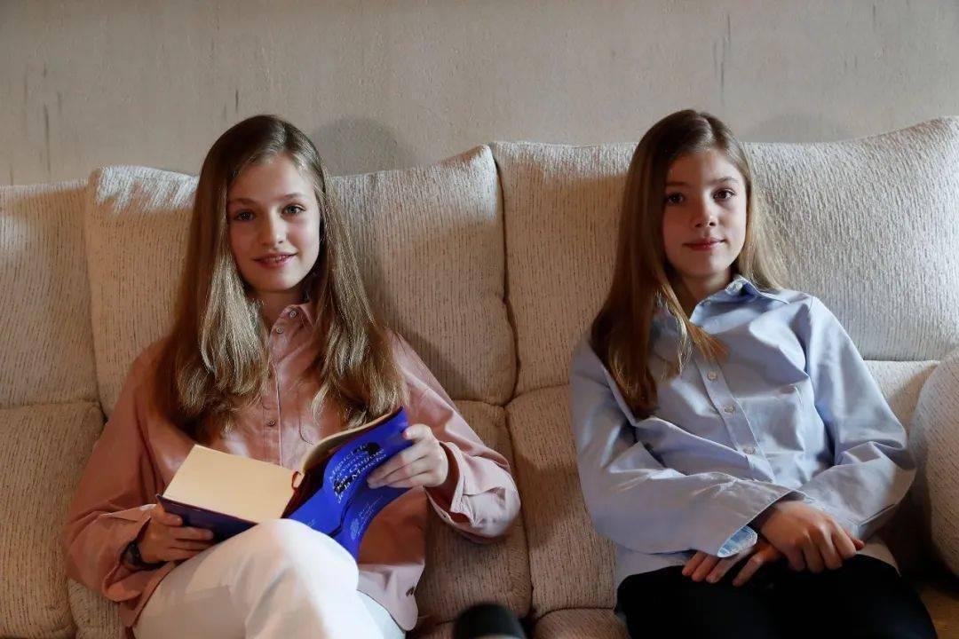 """15岁西班牙女王的""""养成计划"""",一天行程,吓退路人!"""