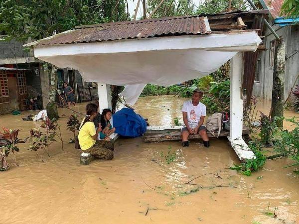 """第18号台风""""莫拉菲""""登陆菲律宾 已致16死22伤"""