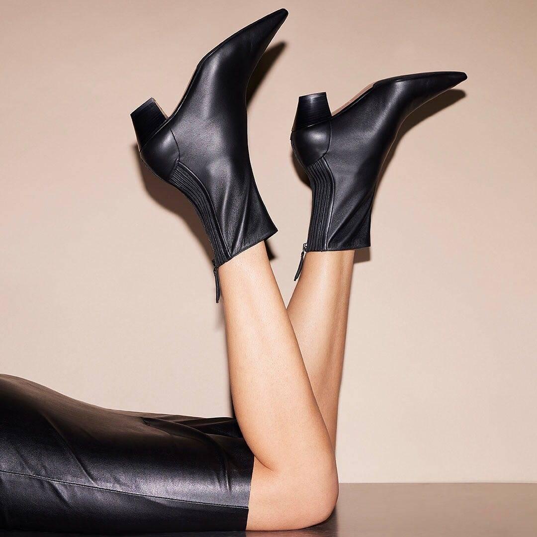 BET官网365入口| 高跟鞋品牌中的后起之秀有多惊艳?奢侈品高跟鞋品牌编年史(五)