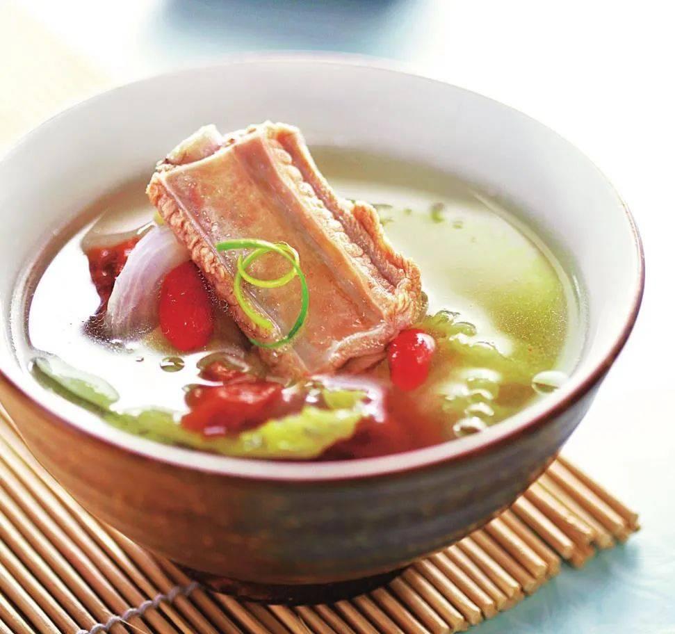 适合懒人做的一道菜,既当菜又能当汤,清爽鲜香,配米饭吃不够