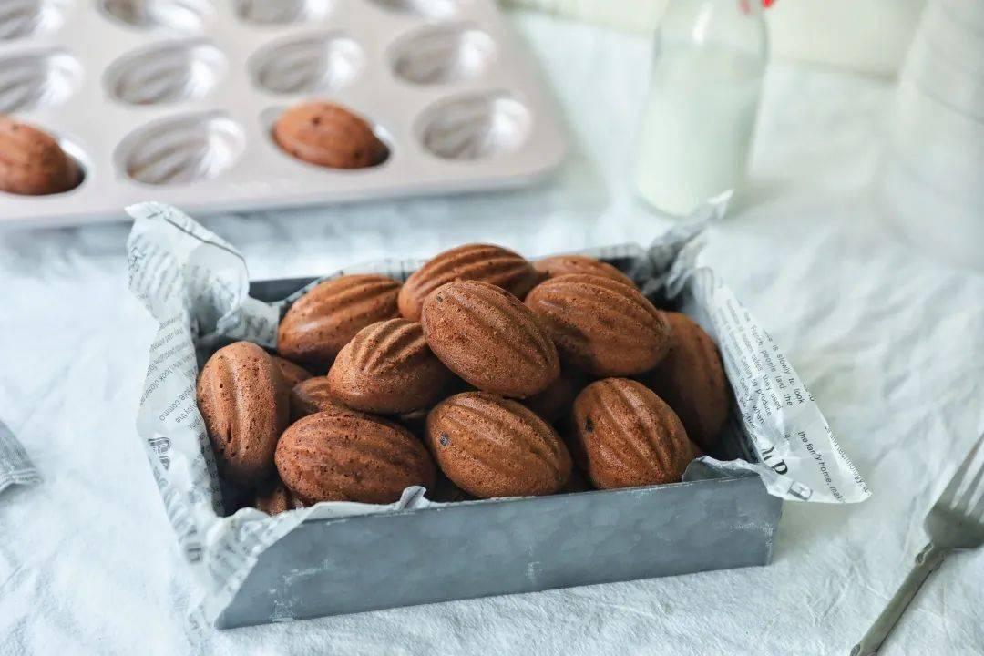 学厨烘焙 ▏新品驾到【巧克力橄榄球蛋糕】—— WK9829 12连橄榄球模具