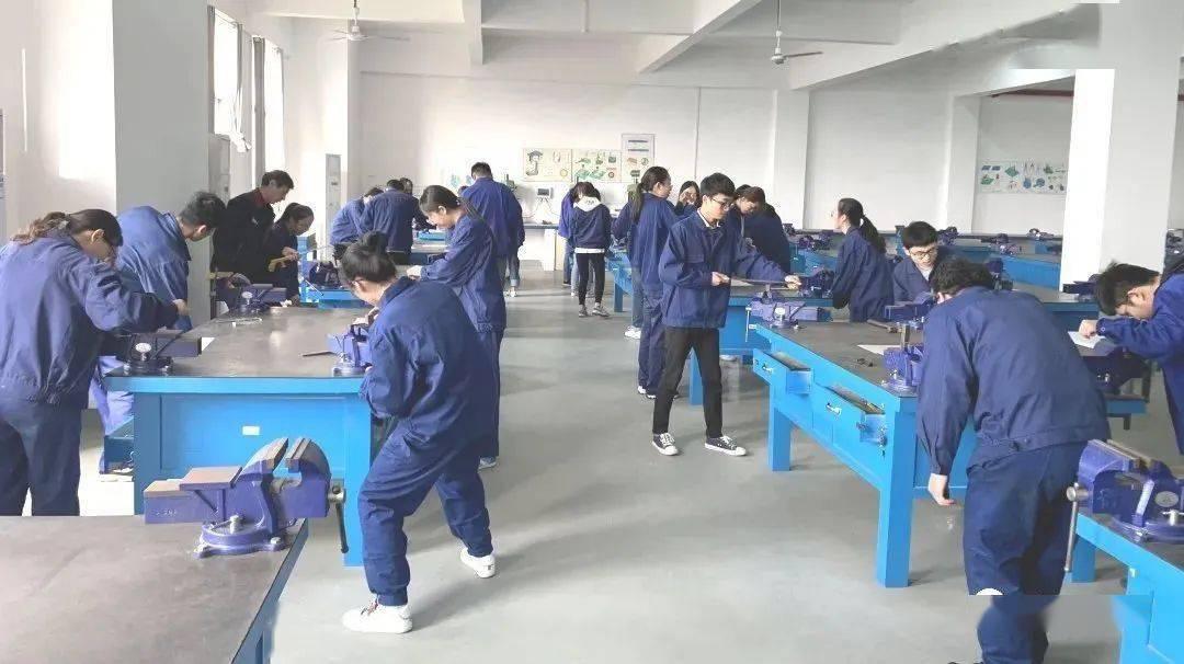 湘大2个学院被认定为首批湖南省现代产业学院