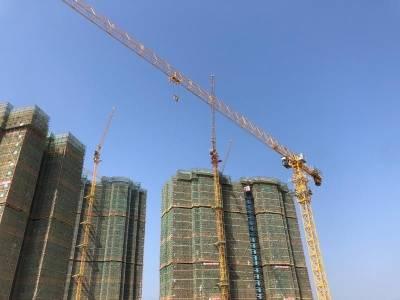工人被困70米塔吊  惠州消防高空救援