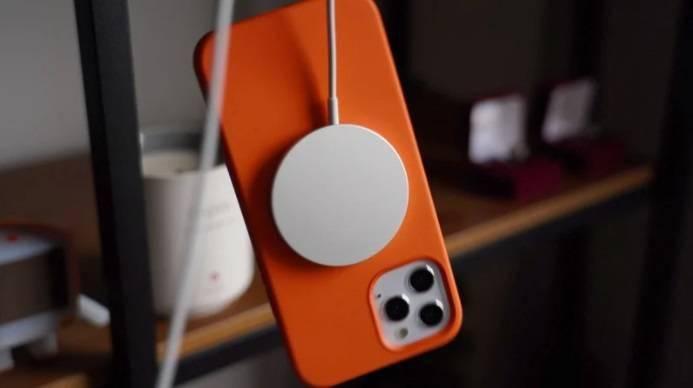 消息称iPhone 12及MagSafe配件会干扰植入式心脏起搏器