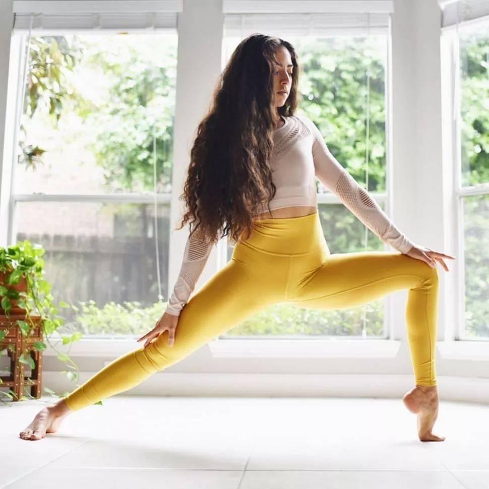 每天瑜伽1小时,胜过千元护肤品!_气质