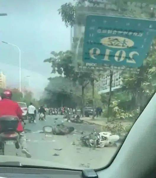 试驾新车酿惨祸 致4死6伤!
