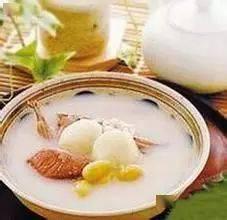 抢庄牛牛棋牌游戏:高级营养师教您第二阶段月子餐(8~14天):白果鸭梨鹌鹑汤