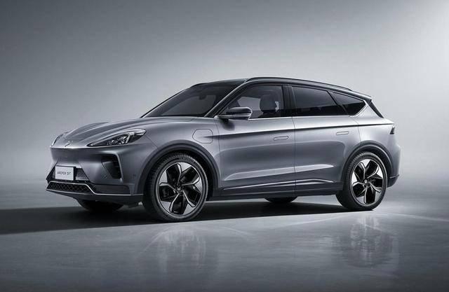 极狐HBT将2021交付 搭华为智能汽车解决方案
